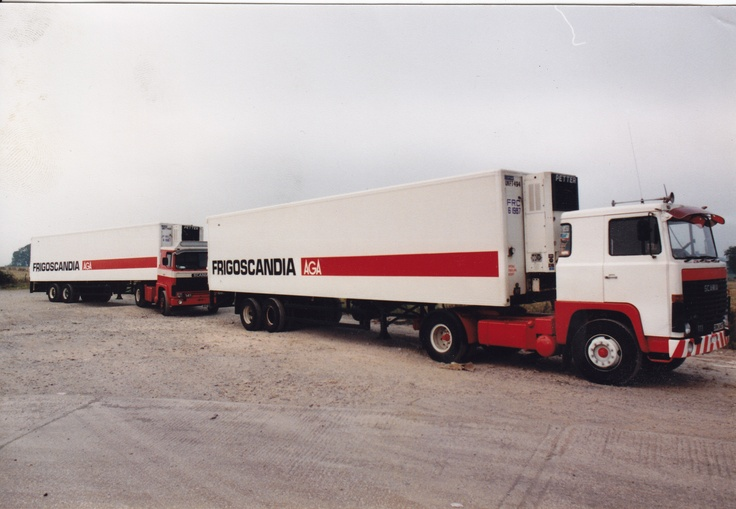Scania 111 was my first truck. It was taken at Kirtlebridge Cafe in Scotland before the M74 existed in the 80's.