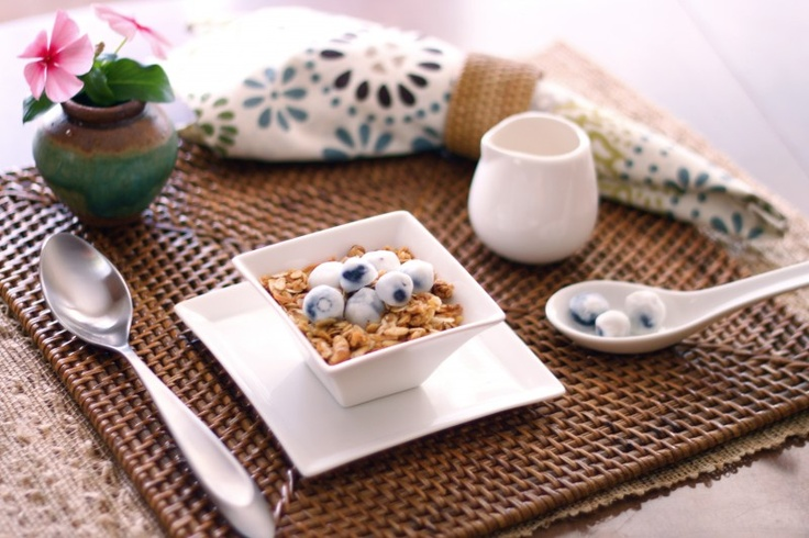 Homemade Granola with Yogurt Covered BlueberriesCovers Blueberries, Yogurt Cov Blueberries, Breakfast, Yogurt Covers, Homemadegranola, Granola Recipes, Grandma Homemade, Yogurtcov Blueberries, Homemade Granola Recipe