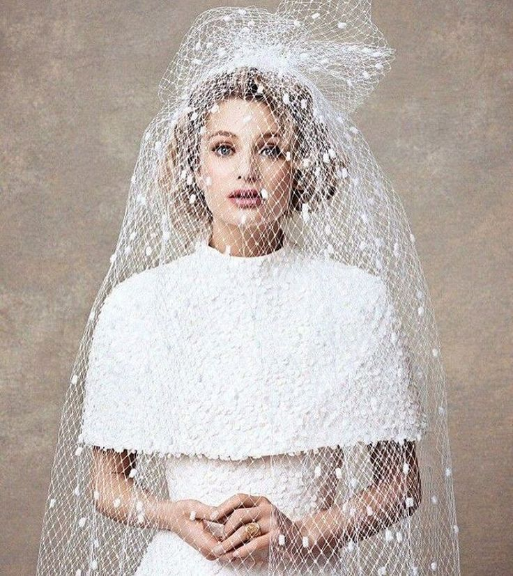 Awsome ✨ #bridetobe #weddinginspo #bridalhair #bridalfashion #bridalmakeup #wedding #weddingdress #weddingexpo #oslo2017 #bryllupsmesse #bryllupsinspo #brudekjole #brudeslør #brudemakeup #brudehår Regram @imagebrides http://butimag.com/ipost/1495604498163744708/?code=BTBdF31hr_E