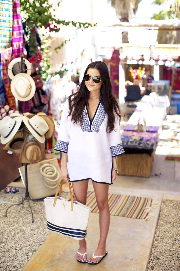 Blogger Pink Peonies wearing the Tory Burch Pearl Tunic