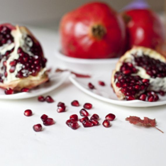Homemade Pomegranate Molasses Save Money By Making Your Own Pomegranate Juice And Pomegranate Molasses While These Juicy Fruits Molasses Recipes Food Recipes