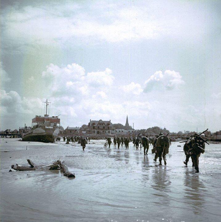 Canadian Soldiers at Bernières-sur-Mer Juno Beach June 6 1944