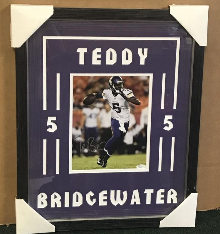 TEDDY BRIDGEWATER VIKINGS FRAMED DOUBLE MATTED SIGNED SILVER 8X10 JSA P61937