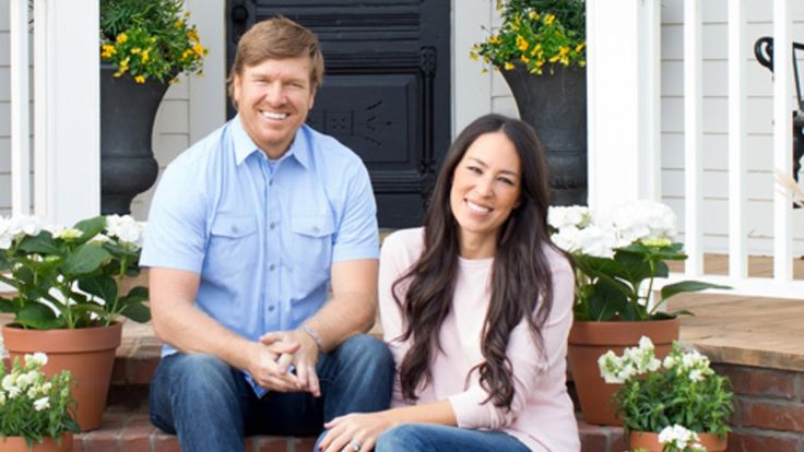 "6 Style Secrets from HGTV's ""Fixer Upper"": Husband-and-wife team Chip and Joanna Gaines invite us into their latest project—a 100-year-old Texas farmhouse where you can bunk up!"
