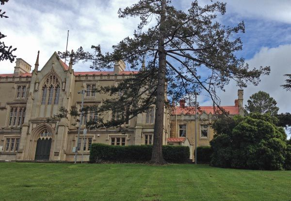 Self-Guided Walking Tour, Queens Domain. Rose Garden and Park, Cenotaph, Solders Walk Memorials #Hobart Article for Think #Tasmania
