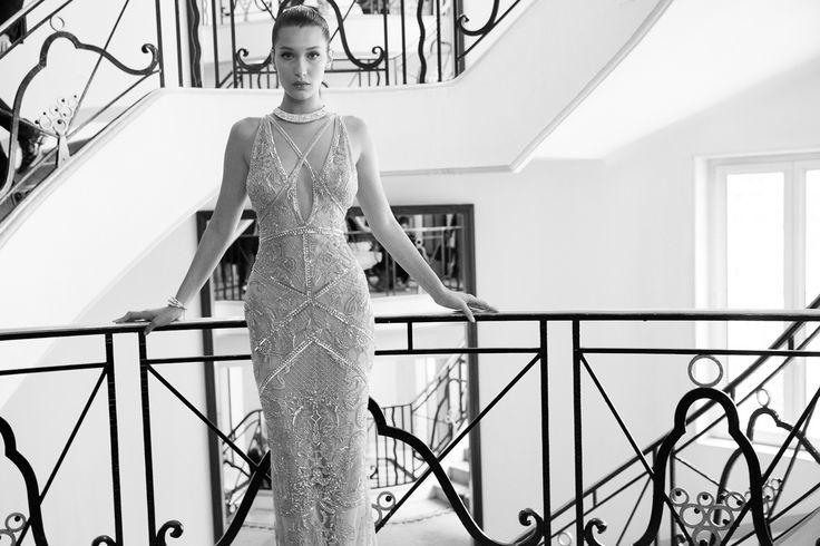 Bella Hadid en robe roberto cavalli et bijoux en diamants De grisogono