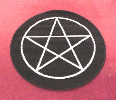 Pentacle Rug The Witch S Study Pinterest Wicca Witchcraft And Pagan