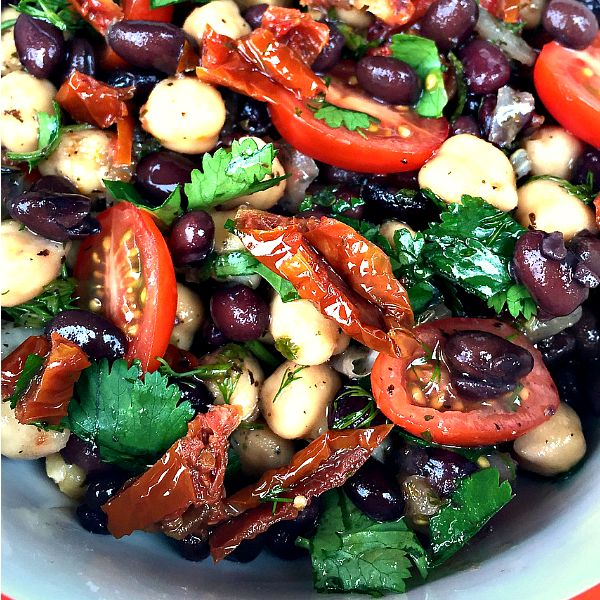 This delicious Balela Salad is perfect for a gluten-free, vegetarian, or vegan side, salad or dip option to serve to Game Day guests!