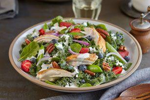 Salade de chou frisé et de petits fruits à la vinaigrette Campagne