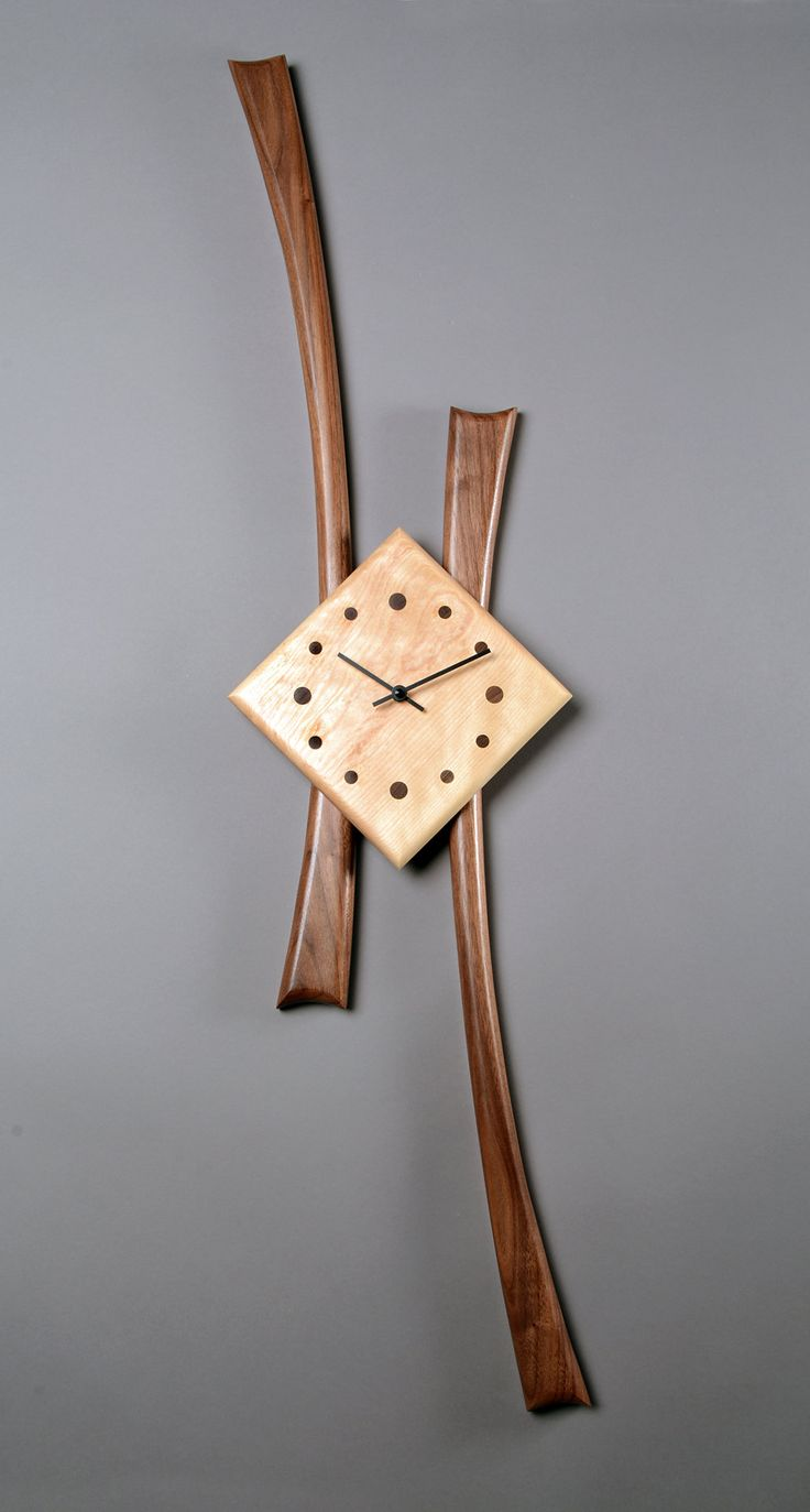 Stretch Clock by Steve Uren (Wood Clock