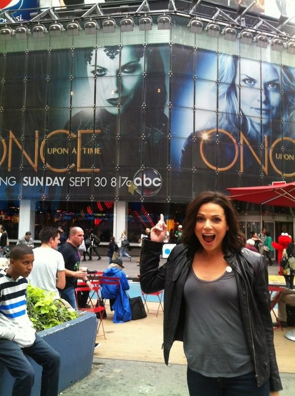 Lana Parilla in NYC  She has to be one of my top favorite characters in the series. Not to mention she's GORGEOUS.