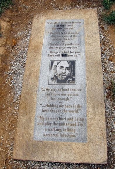 Kurt Cobain Grave | kurt cobain memorial in aberdeen washington controversy erupted in ...