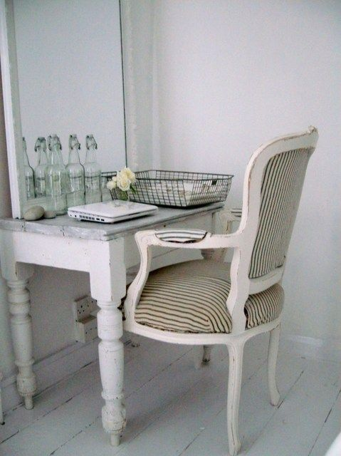 vintage desk/dressing tableWriting Desks, Desks Area, Fishermans Cottages, Bedrooms Makeovers, Cottages Bedrooms, Desks Dresses, Bedroom Makeovers, Tables Desks Cottages, Cottage Bedrooms