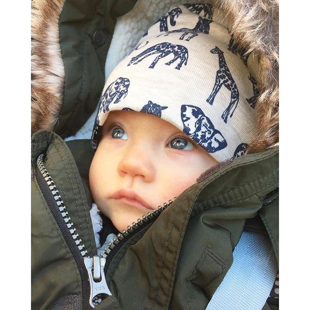 Perfekter Babyjunge Winteroutfit Winter Baby Boy perfect hübsch Winterkleidung Fell süßer Junge handsome oliv Parker H&m Mütze Hat Beanie
