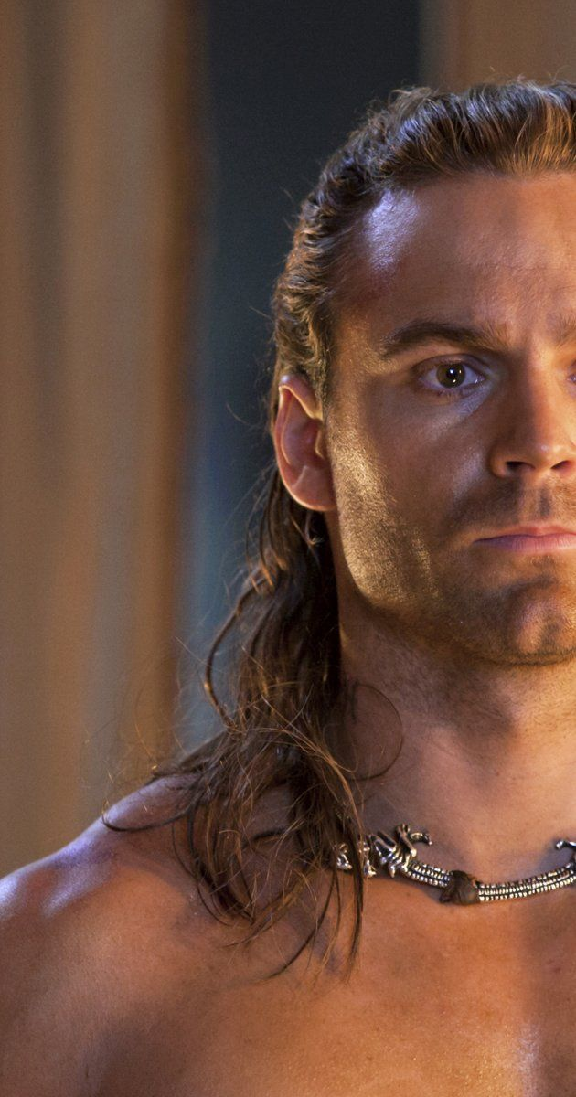 Born: January 2, 1982 in Australia Dustin Clare A rising Australian actor, Dustin Clare is originally a native of New South Wales, Australia. Dustin's road to acting began during his student years at the Western Australia Academy of Performing Arts. He graduated with a degree in Dramatic Arts in 2004.