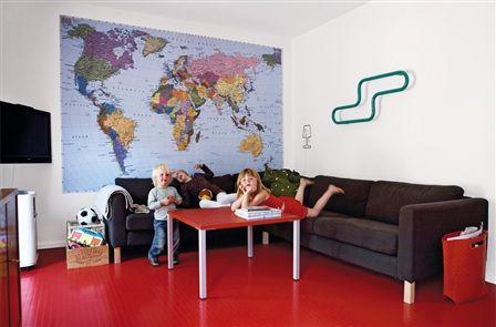Drömmer om en världskarta på väggen.