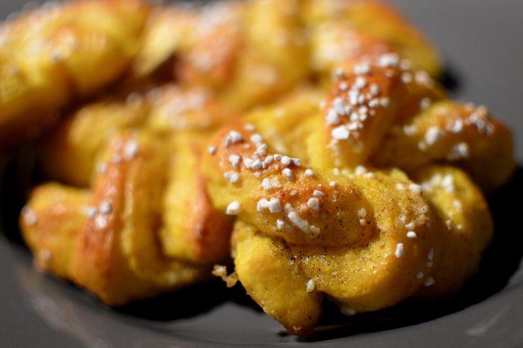 Saffransbullar med vanilj och apelsin