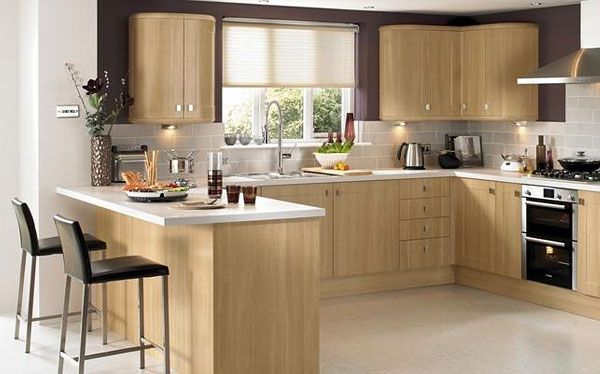 Howdens Joinery Burford kitchen in light oak