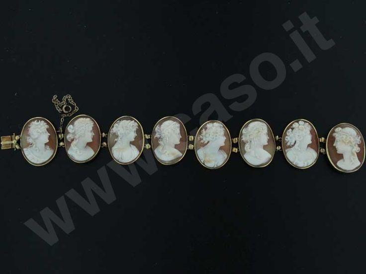 Caso gioielli e orologi d'epoca - Bracciale con cammei di conchiglia