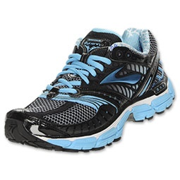 The most luxurious ride yet to ever come from your running shoes. The Brooks Glycerin 9 delivers unbelievable comfort that comes straight from the full length DNA midsole. The Glycerin 9 is also as eco friendly as they come with a fully biodegradable midsole to help minimize pollution. If you are a runner with a medium to high arch and desire a shoe that contours to your needs, then the Brooks Glycerin was made for you.