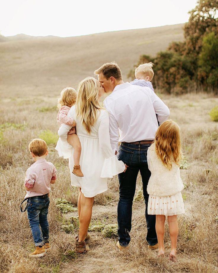 красивые фото семьи с детьми со спины сказал мне