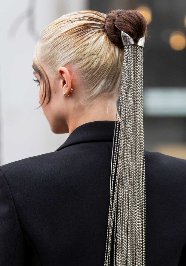 ¿Cabello maltratado o puntas abiertas? Haz que no se noten para nada con ayuda de estos peinados que son fáciles de hacer ¡y que lucen como si te hubieras tardado horas en ellos! Glamour, Hair Styles, Tumblr, Fashion, Split Ends, Hair Gel, Plaits Hairstyles, Pony Tails, Long Hair