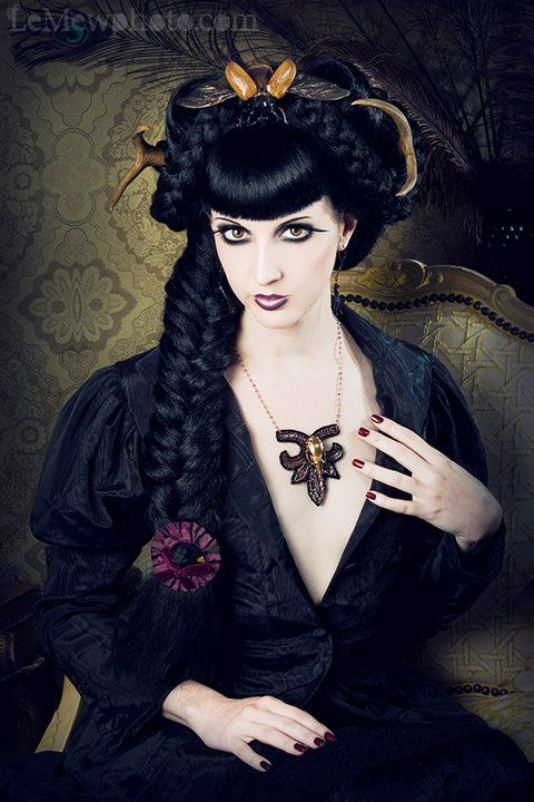 2019 year style- Victorian gothic hairstyles