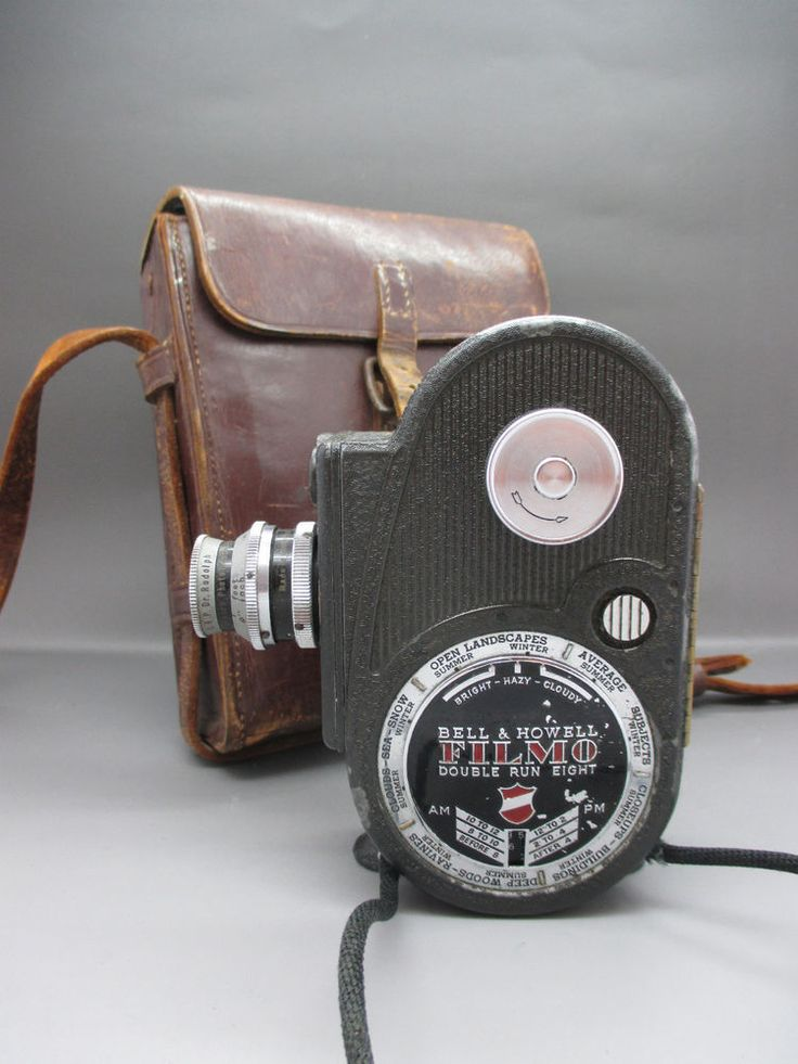 1940's Bell & Howell Filmo Double Run 8 Sportster Movie Camera & Case