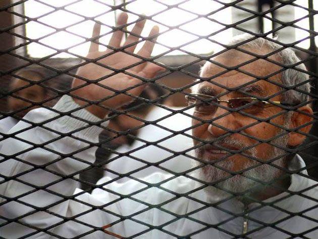 Condenan A Cadena Perpetua Al Líder De Los Hermanos Musulmanes