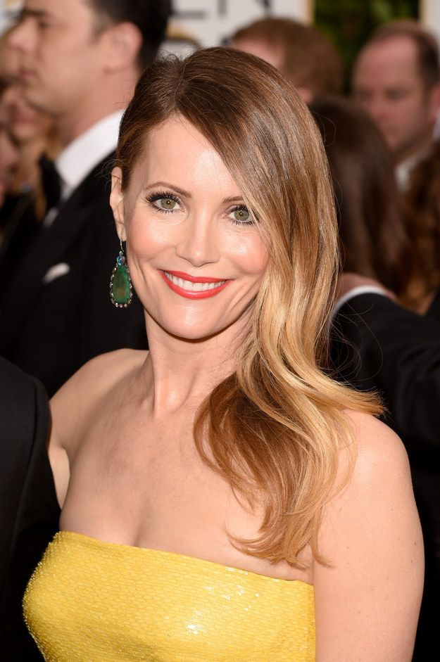Leslie Mann's lipstick: | 29 Winners And Losers On The Golden Globes Red Carpet