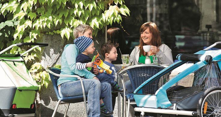 Popołudniowa kawa z przyjaciółką ..., bezcenne :-) Znajdziemy dla Waszych maluchów najbardziej odpowiednie przyczepki: http://www.planetarodzina.pl/oferta-wypozyczalni/1/przyczepki-rowerowe-3w1-croozer-kid-for-1/.