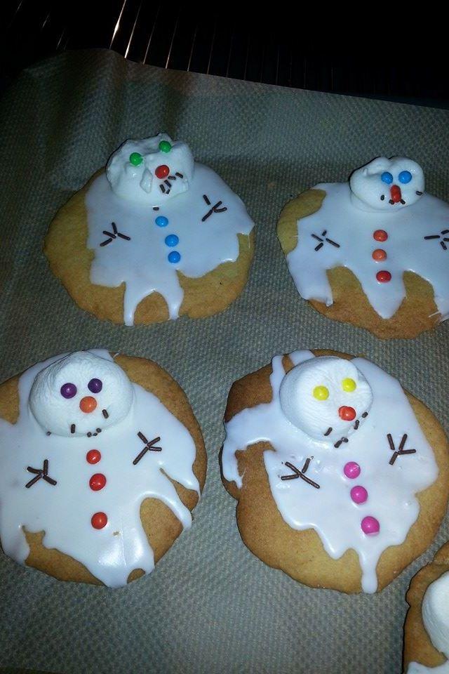 Gesmolten sneeuwpop-koek