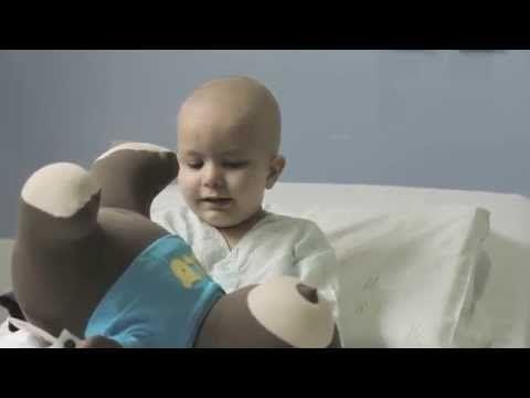 O ursinho que ajuda crianças no tratamento do câncer.