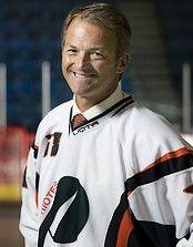 Dany Dubé, diplômé de l'UQTR, ancien athlète-étudiant hockey Patriotes et ancien entraîneur de l'équipe de hockey masculin.