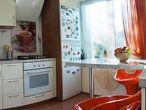 Свободная продажа, собственность более 5 лет. Трехкомнатная квартира со свежим и современным ремонтом. Встроенная техника на кухне (варочная панель, духовой шкаф, дизайнерская вытяжка, измельчитель, система фильтрации) и наполнение ванной комнаты продается вместе с квартирой. Окна двух комнат и…