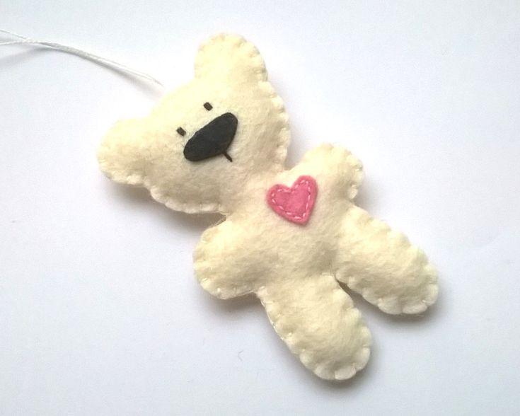 Felt bear ornament - felt ornaments - teddy bears - Christmas/Housewarming home decor - pinned by pin4etsy.com