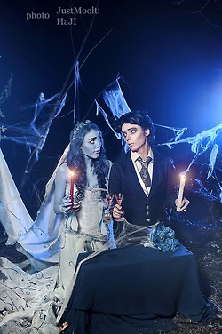 Corpse Bride cosplay Emily and Victor, so cute. This would make a great couple's costume