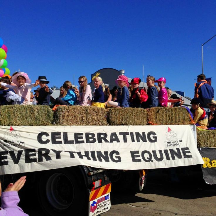"""Celebrating Everything Equine"" 2015 Scone Horse Festival Parade"