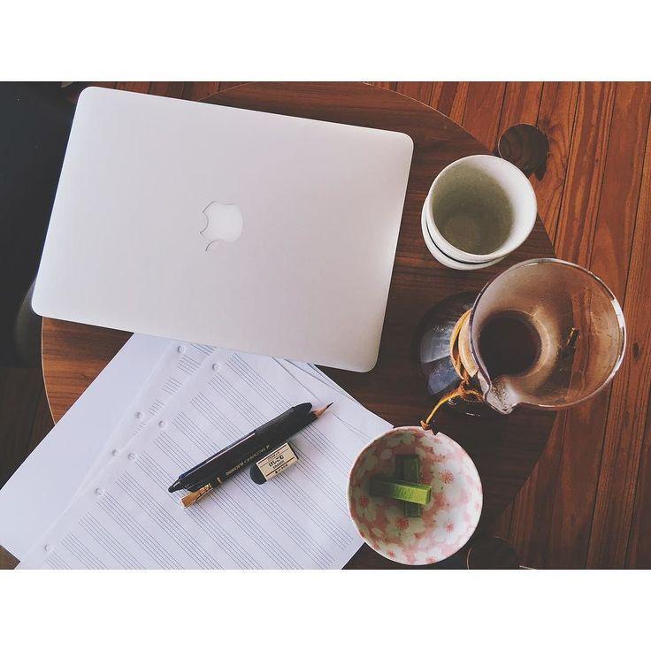 Time to study  #Brisbane #Coffee #FilterCoffee #Chemex #MelbourneCoffee #Melbourne #DukesCoffee #Gesha #Study #Palomino #Blackwing #Muji #GreenTea #Matcha #KitKat #GreenTeaKit #PostGrad #커피 #브리즈번 #듁스커피 #멜번 #멜번커피 #게이샤 #コーヒー #コーヒー時間 #ブリズベン #メルボルンコーヒー #メルボルン #大学生 #抹茶 http://ift.tt/1U25kLY