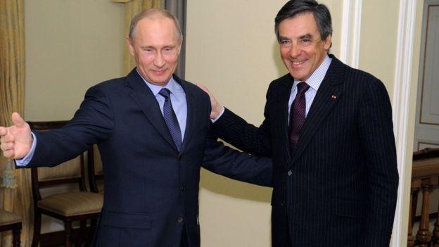 Украина и Грузия не должны присоединиться ни к ЕС, ни к НАТО. И это, по его мнению, не будет означать признание, что эти страны должны остаться зависимыми от Москвы. «Достаточно лишь признать, что Украина и Грузия не имеют права войти в ЕС и НАТО».        Визит кандидата в президенты Франции