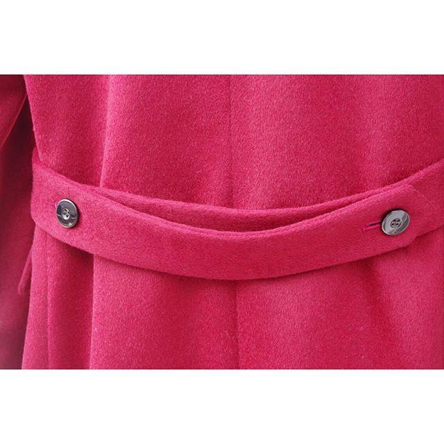 <full_ordermade_coat> . . バックベルトにエポーレット。 . . フェミニンな雰囲気のメンズコートです。 ----------------------------------------- ※御来店の際は御予約をお願い致します。 ----------------------------------------- . . . オーダーメイド製品はlifestyleorderへ。 . .  all made in JAPAN . . . womens...@lso_andc wedding...@lso_wd  #ライフスタイルオーダー#オーダースーツ目黒#結婚式#カジュアルウエディング#トレンチコート#コート#結婚式準備#結婚式diy#新郎衣装#新郎#プレ花嫁#蝶ネクタイ#メンズファッション#2018春婚#2018秋婚#2017aw#コーデ#カシミヤコート