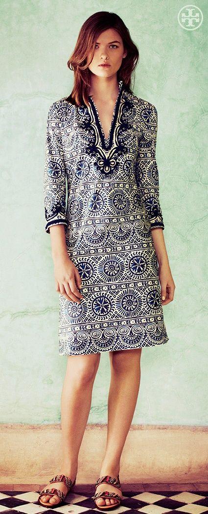 Vestido túnica estampado e com mangas - http://vestidododia.com.br/modelos-de-vestido/vestidos-tunica/vestidos-tunica/ #dresses #clothing