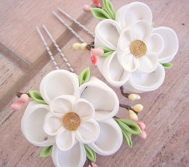 5 petal white kanzashi flowers on hair prongs - with cute leaves and flower buds
