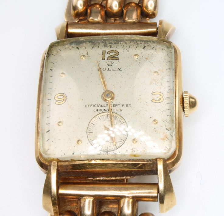 Coming up in our 31 January Antique & Collectors Auction is this gentleman's vintage Rolex wristwatch, lot 651 in a 9ct yellow gold case and 9ct expanding bracelet dating from the 1930's, est £1500-2000 - a great item for any collector or watch enthusiast