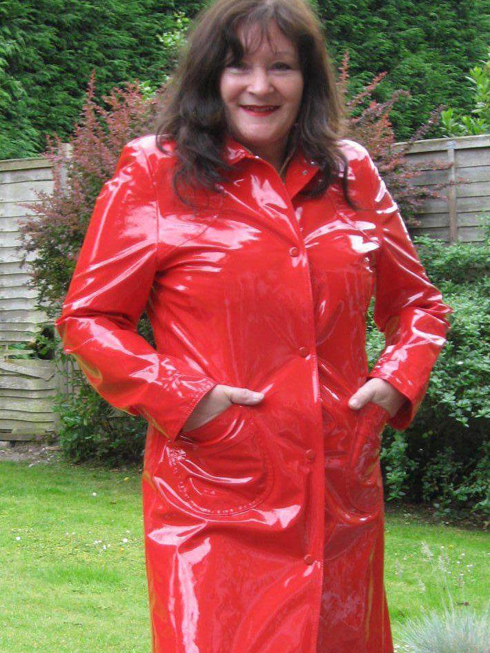 Red Plastic Mac Granny S Wearing Coats Pinterest