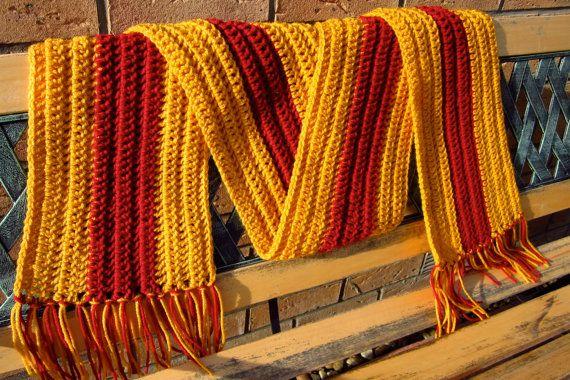 UNCINETTO sciarpa a strisce rosse e oro di XperimentalCrochet