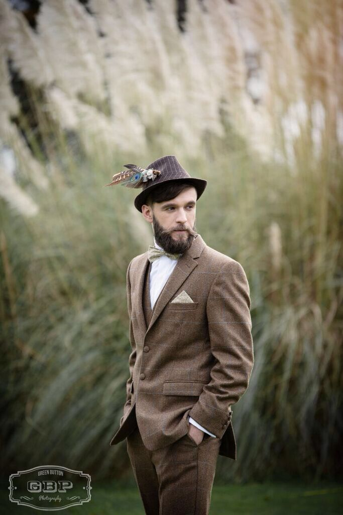 Bespoke handcrafted hat adornment from Lilly Dilly's #hat #adornment #luxury #bespoke #wedding #special occasion #alternative #handcrafted #feathers #peacock #vintage #pearl #diamante #groom #Lilly Dilly's