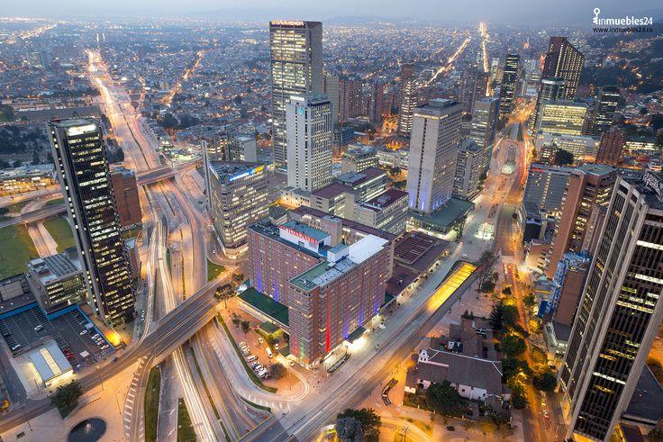 Bogotá es la capital y la ciudad más grande de Colombia. Punto de convergencia de personas de todo el país, es diversa y multicultural y en ella se combinan construcciones modernas con otras que evocan su pasado colonial.  #Bogota #Colombia #BigCity #NiceCity #Architecture #LiveCity