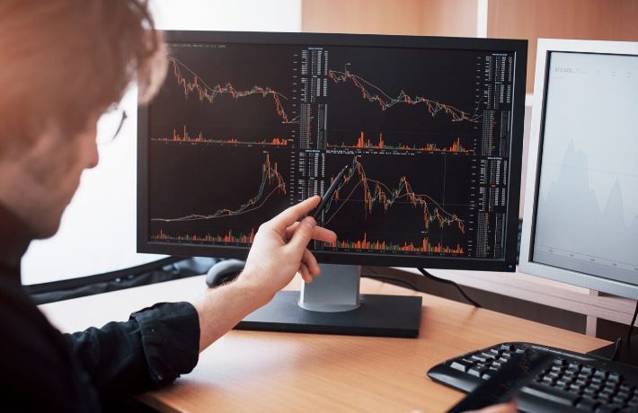 كيفية فتح حساب تداول عبر النت In 2020 Computer Monitor Electronic Products Monitor