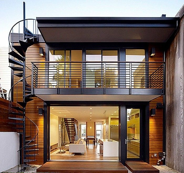 escalier metallique exterieur, escalier helicoidal maison moderne, accueillante